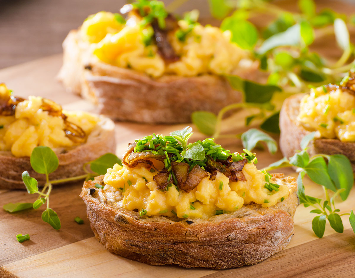 Scrambled Egg and Caramelized Onion Breakfast Sandwiches